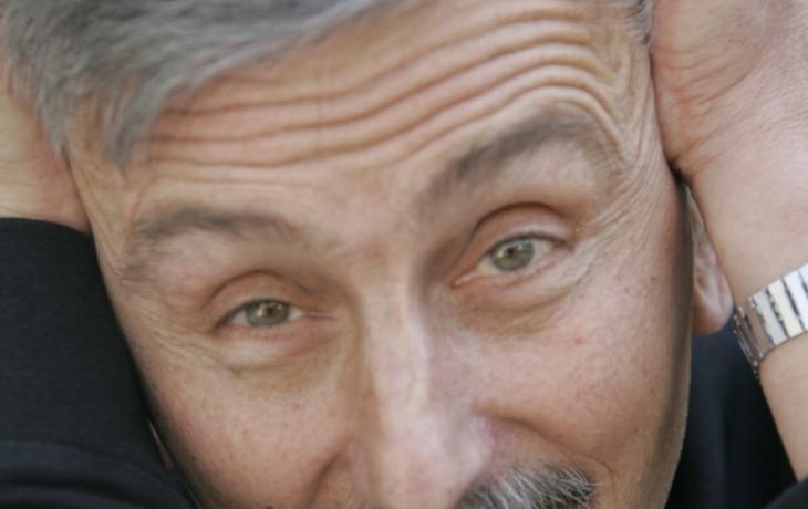 Maminka ředitele Stránského chodila s autorem Starců na chmelu
