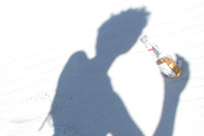 Horko zvětšuje žízeň, muž vypil 25 piv