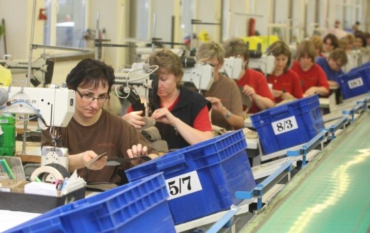 Baťa chystá v Dolním Němčí výrobu na dvě směny