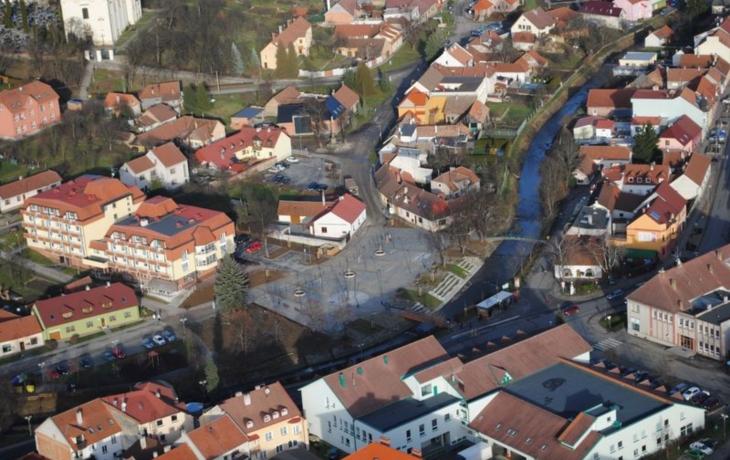 Překvapení. Nové náměstí v Bojkovicích se bude jmenovat Náměstí!