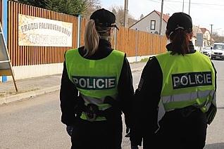 Policie nahlíží do obchodů, evidenci si nevede