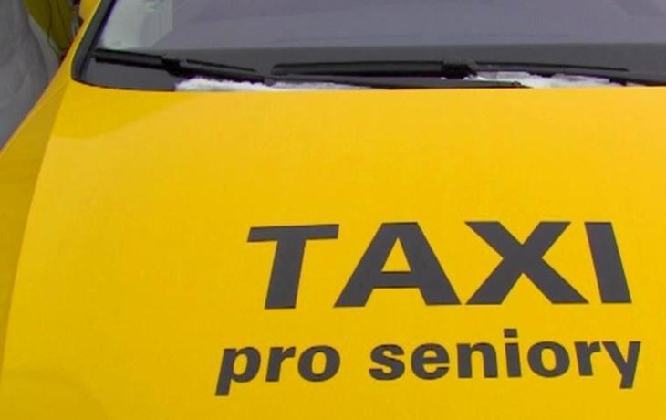 Penzistům pomůže Seniortaxi