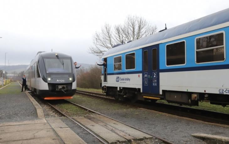Na železnici už platí nový jízdní řád, České dráhy doplnila Arriva