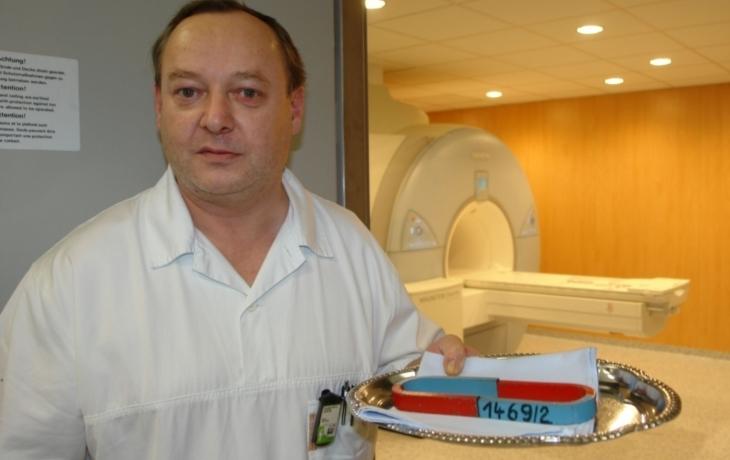 Magnetická rezonance v UH
