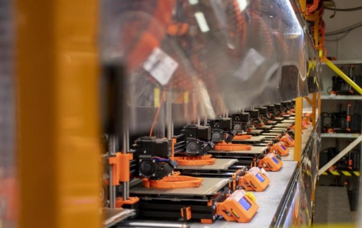 3D tiskaři mají práce nad hlavu, vyrábí štíty pro nemocnice
