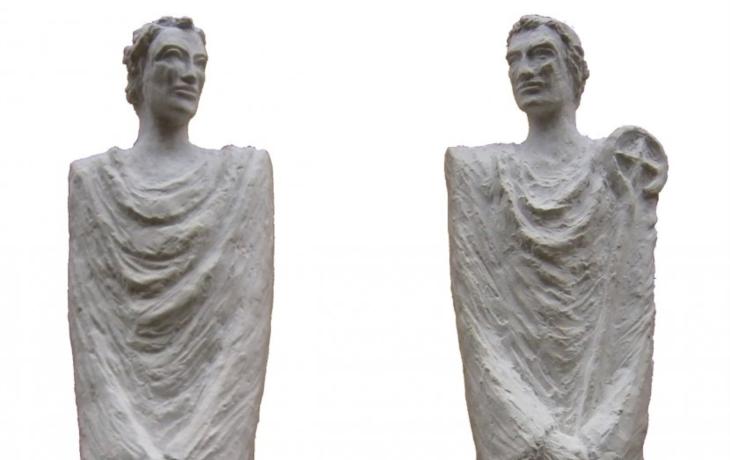 Sochy svatých vytesají z královédvorského pískovce