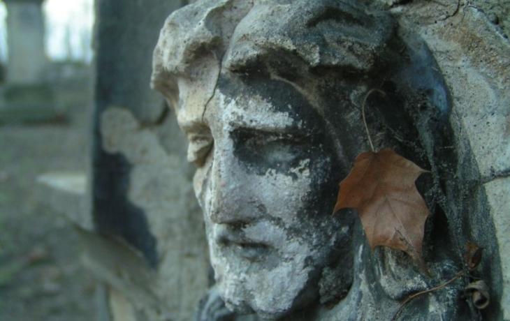 Lhota opraví zeď i okolí hřbitova