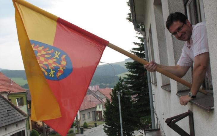 Obce vyvěšovaly moravskou vlajku