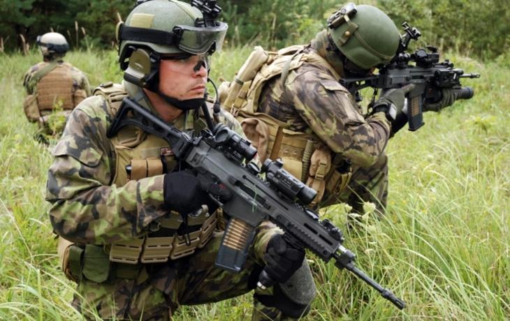 Dvě smlouvy s armádou, 476 milionů na účet