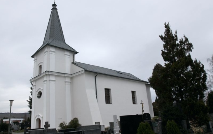 Hřbitovní kostel kandiduje na Památku roku