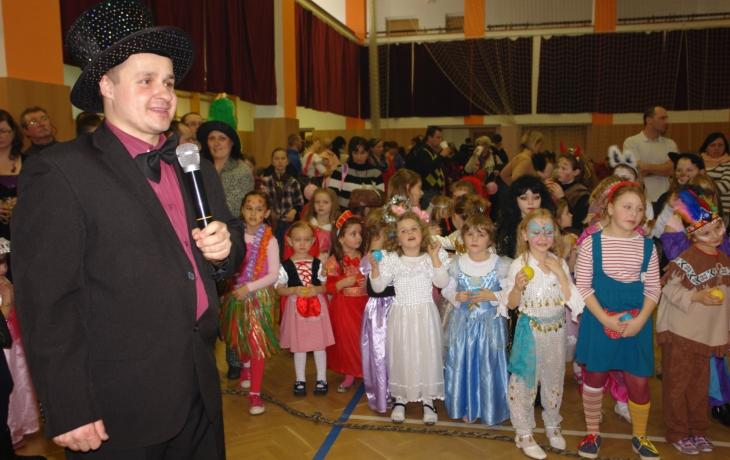 Pozor! Děti marodí, karneval mění termín