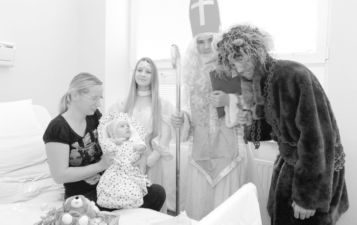 Mikuláš potěšil i malé pacienty