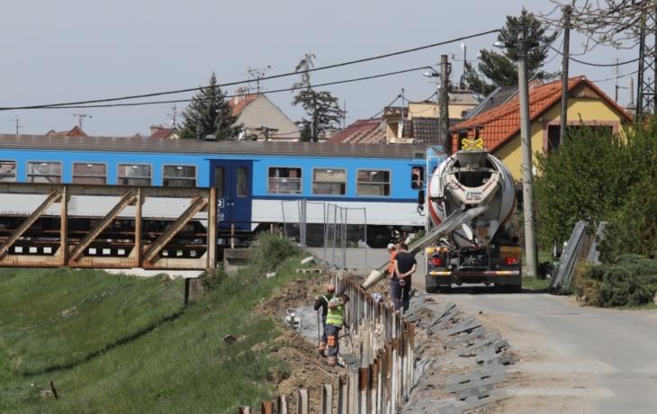 Hráze a zdi ochrání Kunovice, chystá se stavba nového mostu