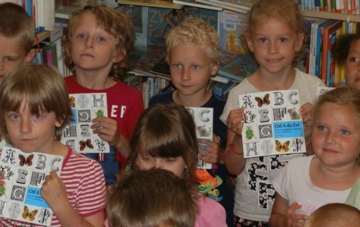 Děti odcházely s knihou v ruce