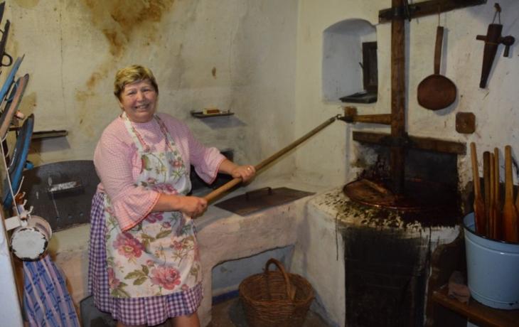 Vařily přes sto dvacet kilo trnek