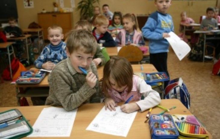 Školáci z Pitína mohou při výuce hlasovat