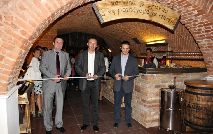 Galerie vín otevřena