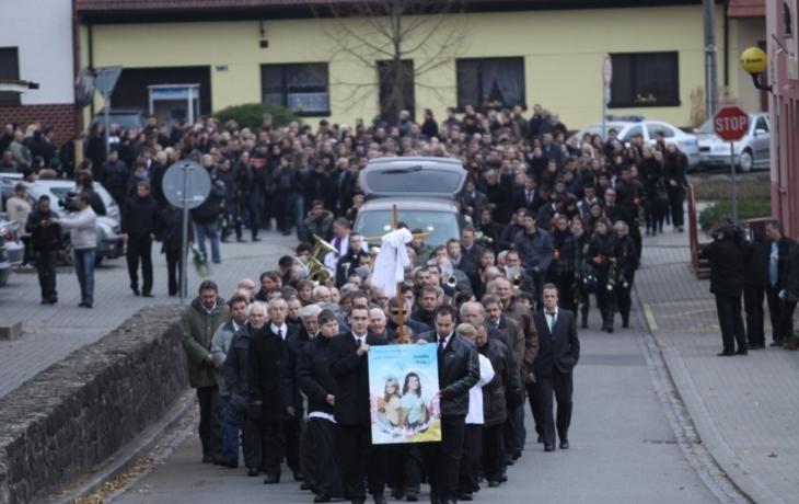 Lopeník a Nivnice pochovaly oběti rallye smrti