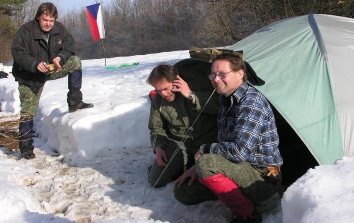 Táborníci si sníh dokázali ještě najít