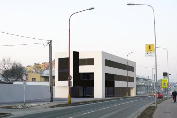 Zdemolovaný domek se promění v podnikatelský objekt