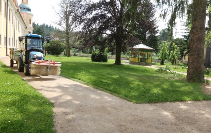 Klášterní zahrada se otevřela poutníkům a turistům