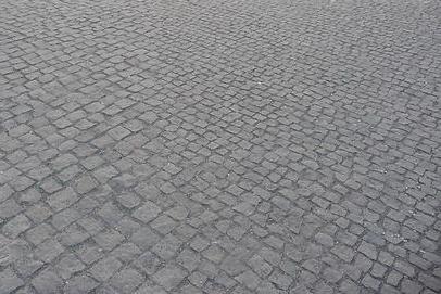 Prakšice chystají chodník do Vinohrad i nové garáže