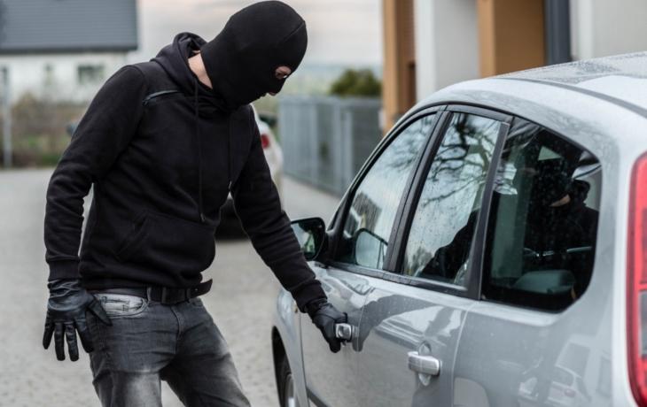 Gang dojezdil. Zlodějům aut hrozí 10 let za mřížemi
