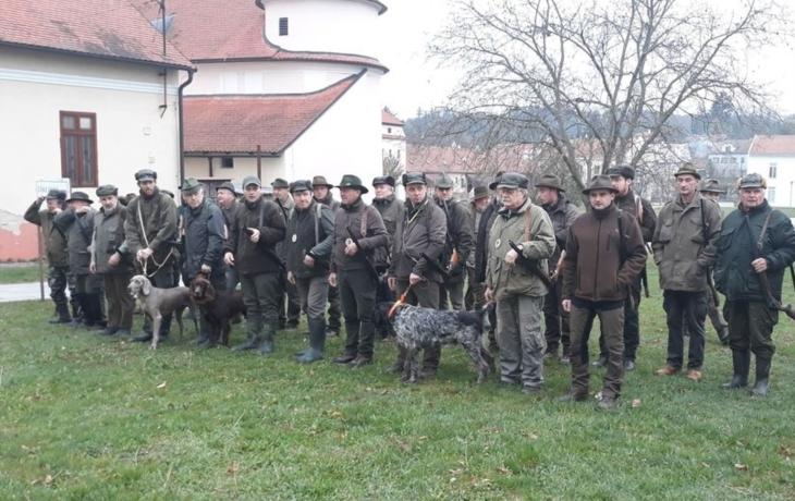 Policie začala se zátahy na myslivce, skončí až v lednu