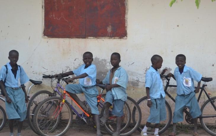 Do Gambie odletělo 35 kol
