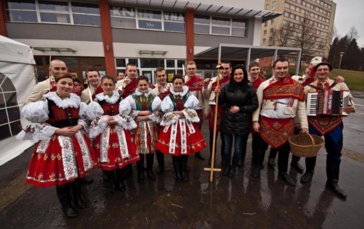 Slavkov ožije mezinárodním folklorem