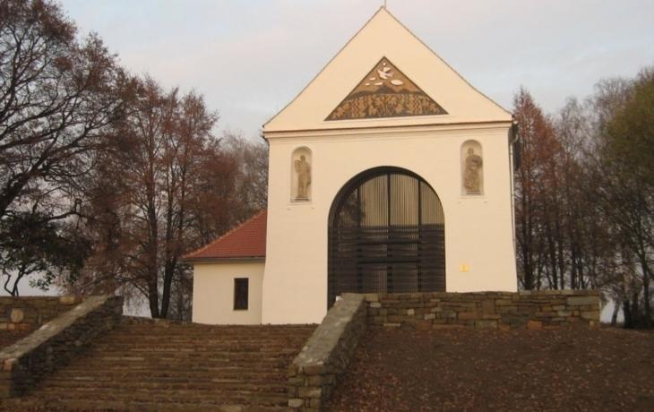 Kaple má opět Vítězný oblouk