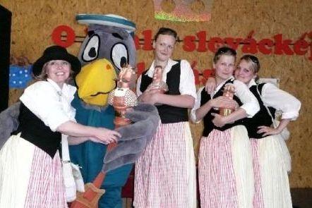 Košt klobásek ovládne opět folklor
