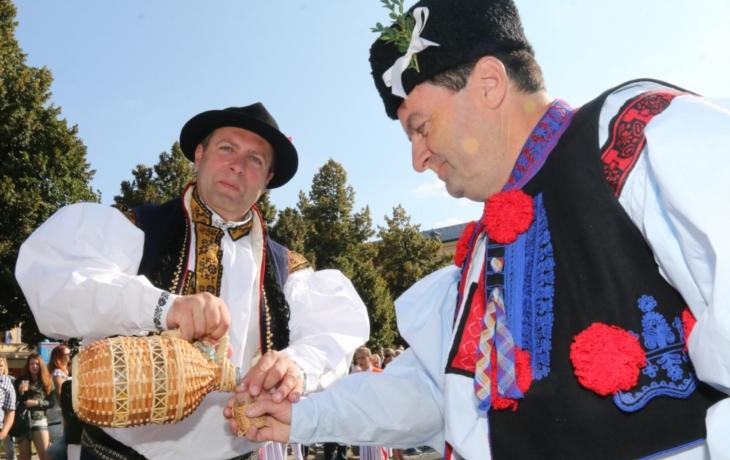 Burčák, víno a památky přilákaly davy z celé republiky