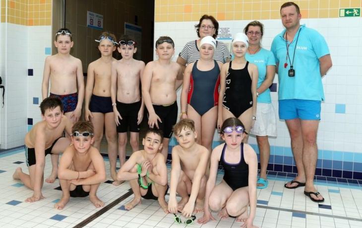 Plavecký potěr posbíral patnáct medailí