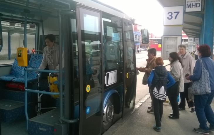 Revoluce v MHD: Dopravce chce nasadit elektrobusy a busy na plyn