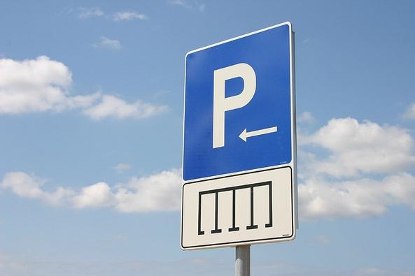 V Uherském Hradišti i Brodě zareagovali na usnesení vlády rychle, za parkování se znovu platí