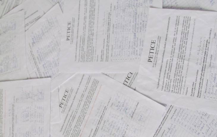 Petice neuspěla, radnice v Ostrohu se nezmění