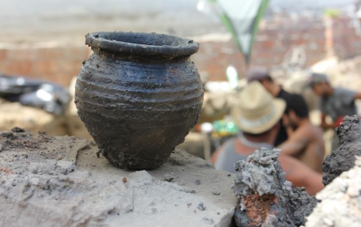 Objevy v Brodě. Středověký opasek, gotický sklep a zbytky schodiště