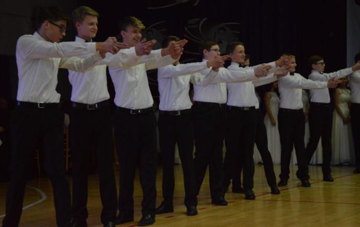 Jubilejní ples ve znamení čísla 007