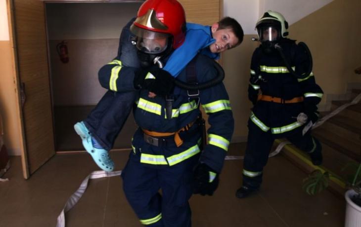 Poplach! Škola v plamenech!