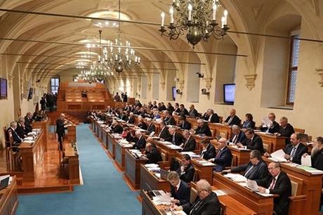 Senátoři bojují proti diskriminační úhradové vyhlášce!