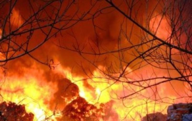 Dva týdny, 130 požárů...