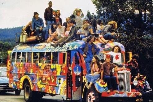 Mír a láska zvítězí na plese hippies