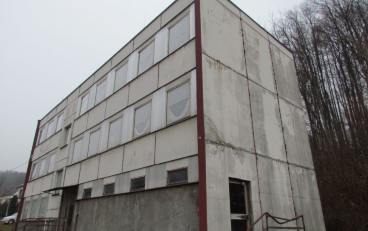 Ubytovna sklářů se mění v dům s dotovanými byty