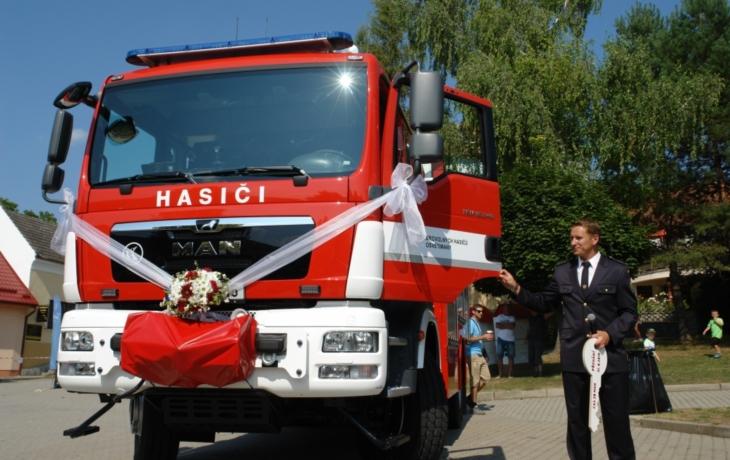 Osvětimany mají novou hasičskou cisternu
