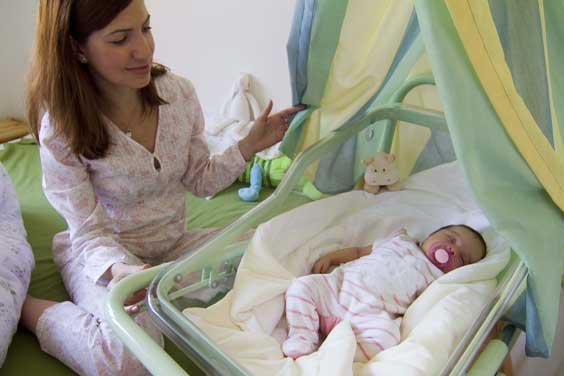 Špitál půjčuje novorozenecké postýlky!