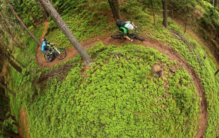 Chystá se Singl trail Vinohrady, lesní jednosměrka