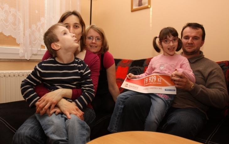 Vánoční sbírka pomůže nemocným sourozencům