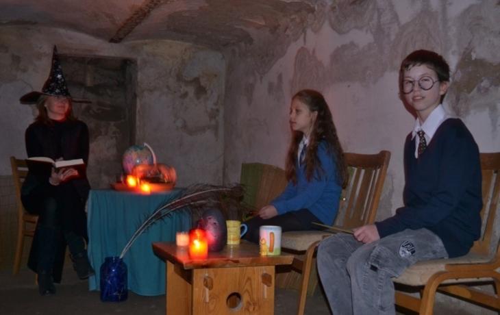 Děti prošly labyrintem strachu