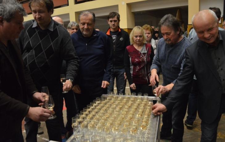 Rekordní úroda přinesla kvalitní víno
